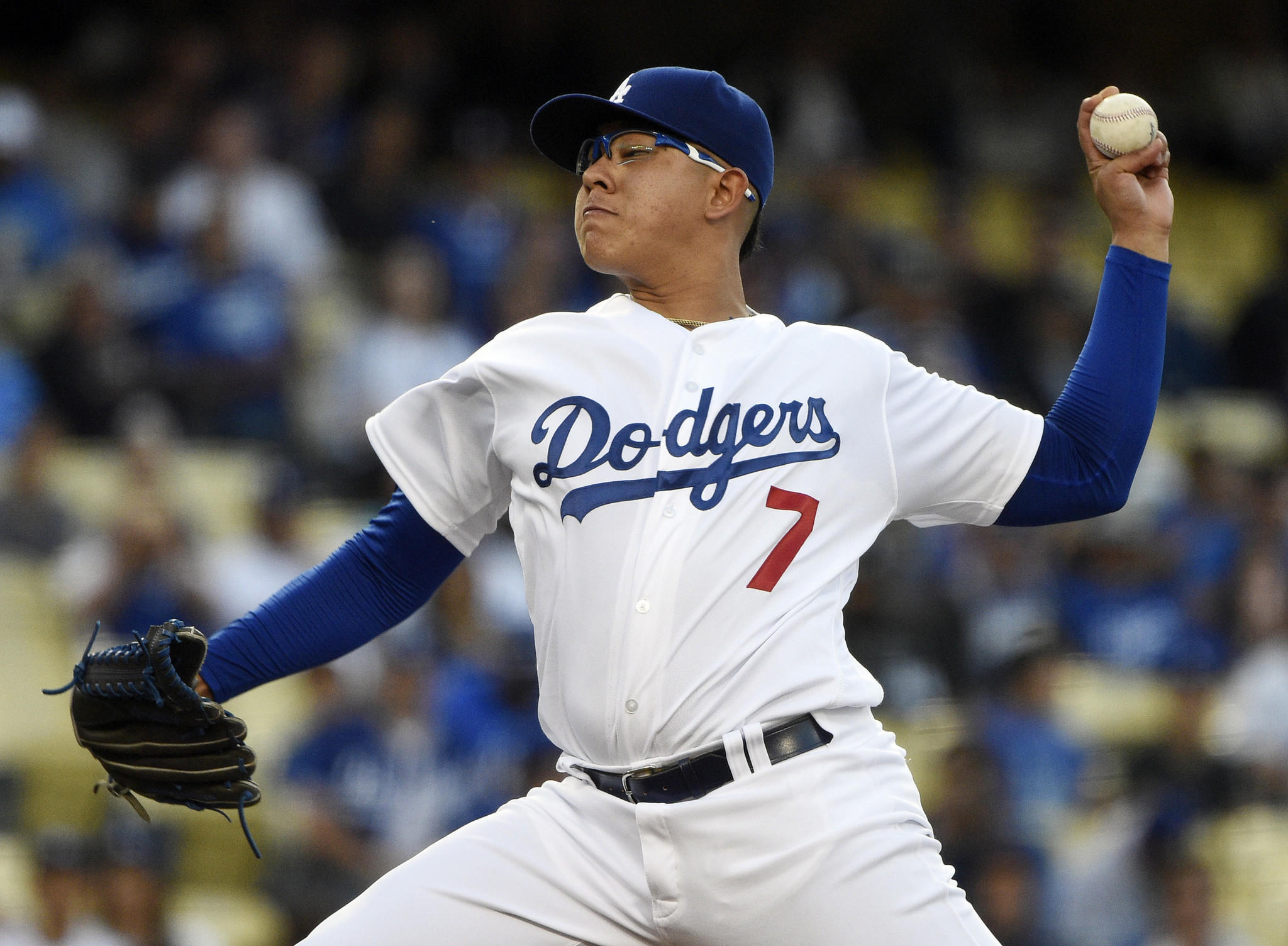 Julio Urías debut 2017 Dodgers