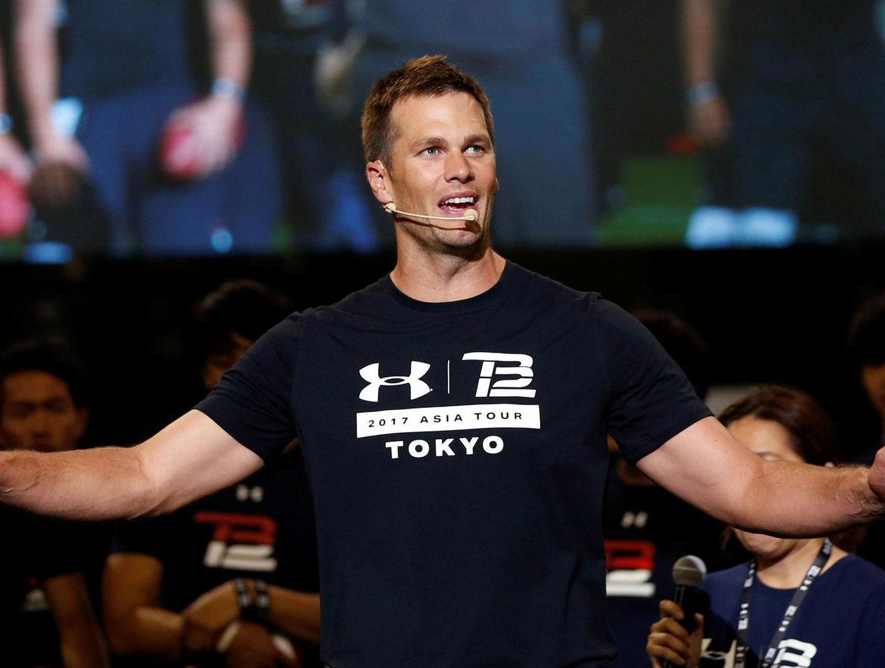Tom Brady Sumo Asia
