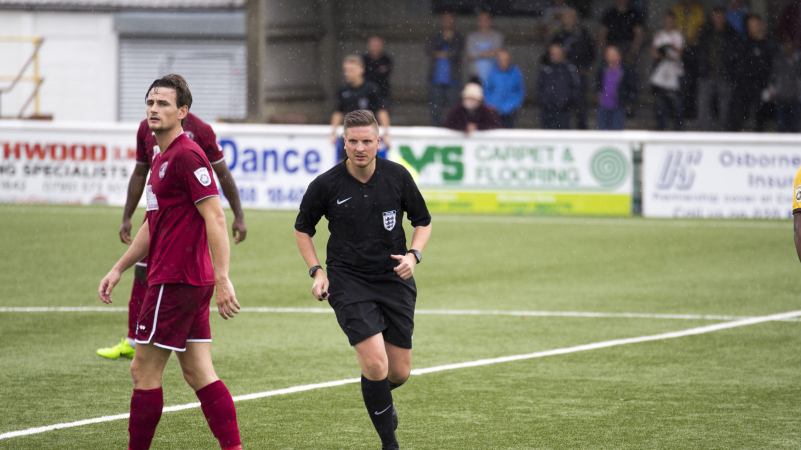 Ryan Atkin árbitro, gay Premier League Inglaterra homofobia