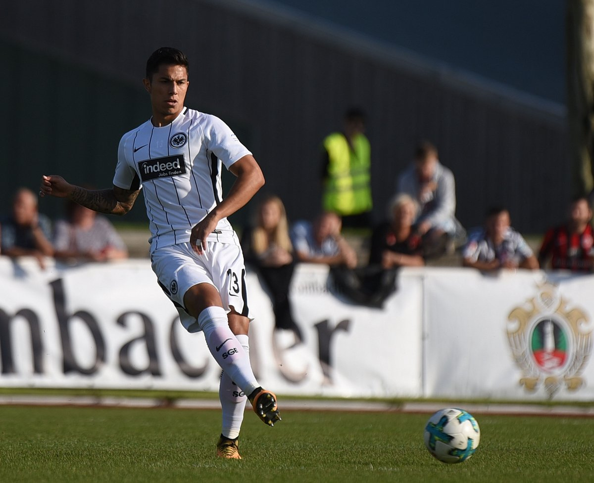 Carlos Salcedo Debut Amistoso Eintracht Frankfurt Goleada