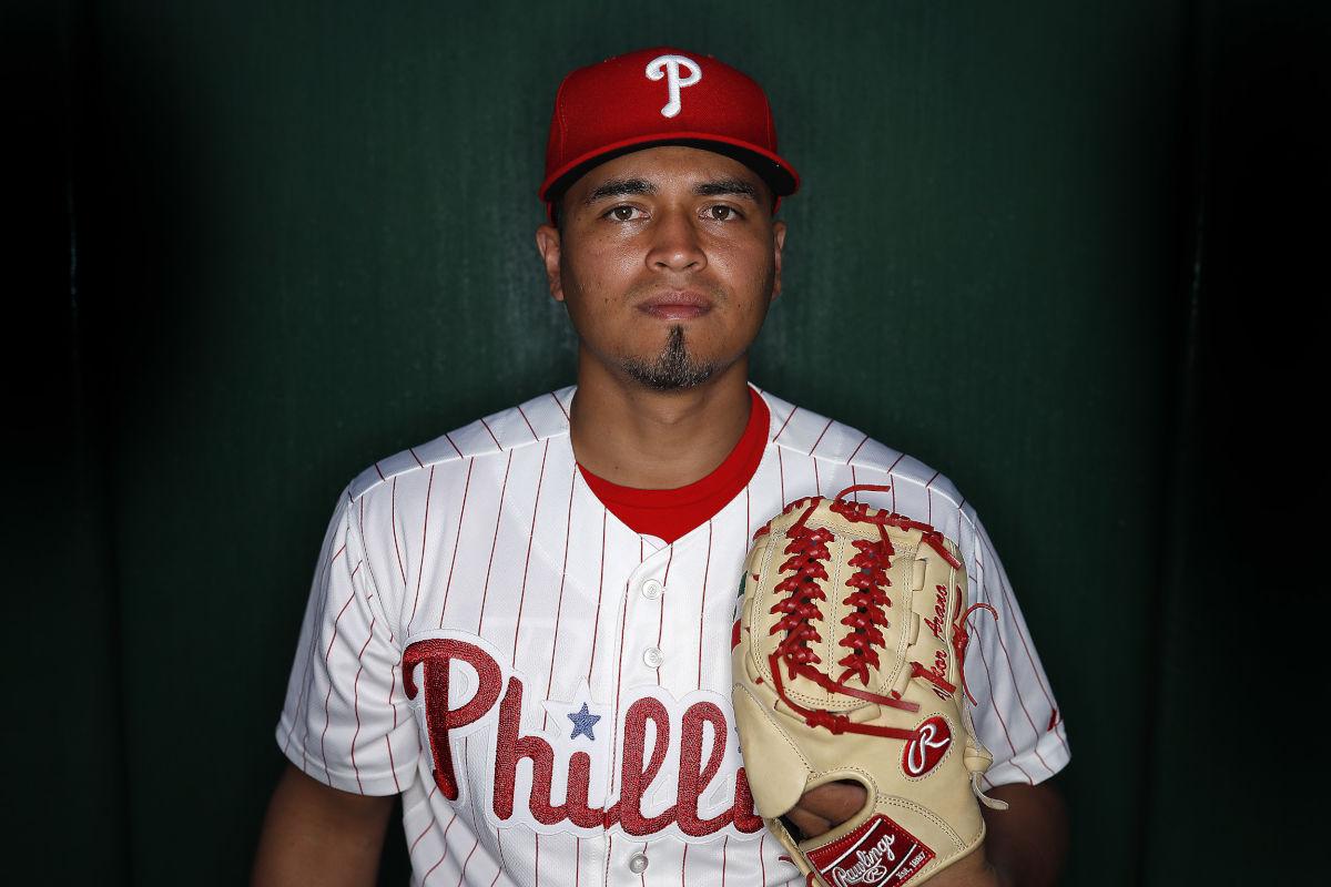 Philadephia Phillies mexicano Víctor Arano Grandes Ligas