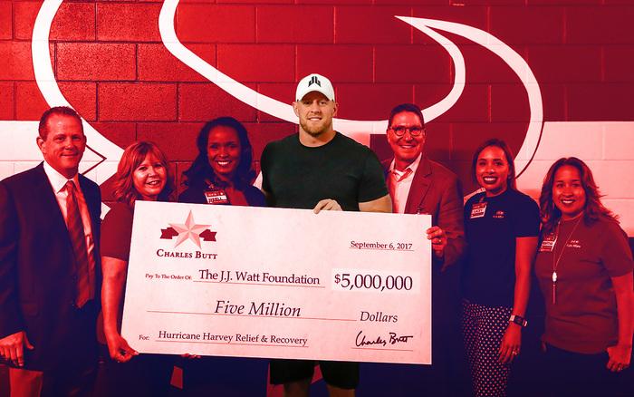 Compromiso Social Ayuda NFL J.J Watt Fundación