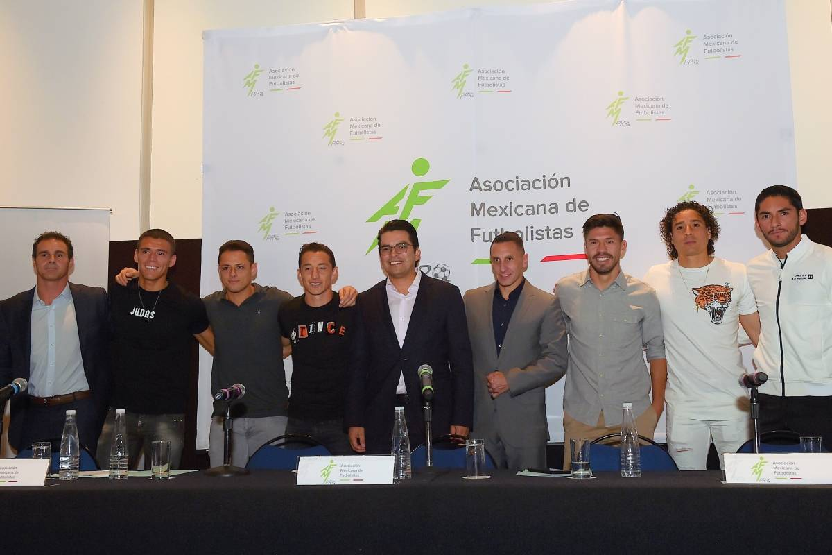 Asociación Mexicana de Futbolistas Profesionales, casos de adeudos, Atlante, Xolos, Venados, AMFpro, primera función, presidente, Álvaro Ortíz