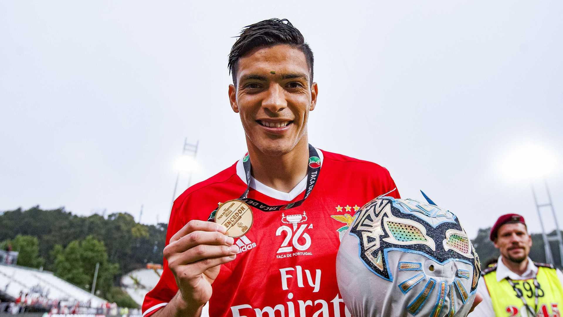 Sin Cara, Visita Benfica, no encuentra, Raúl Jiménez, Portugal, Estadio de la Luz, Playera, Selección, desea suerte