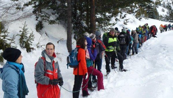 rescatan, esquiadores, teleférico, Los Alpes, cuerpos de rescate, estación, Chamrousse, operativo, helicópteros