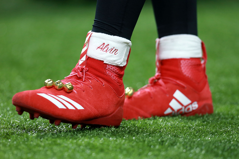 Alvin Kamara Calzado Navidad Multa NFL