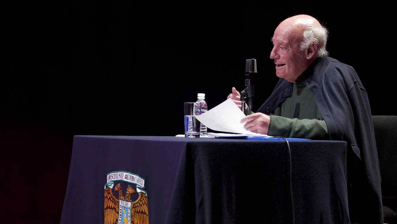 Eduardo Galeano, libro, Cerrado por el futbol, textos futbol, previo al mundial, obra inédita, hallazgos, vivencias, crónicas