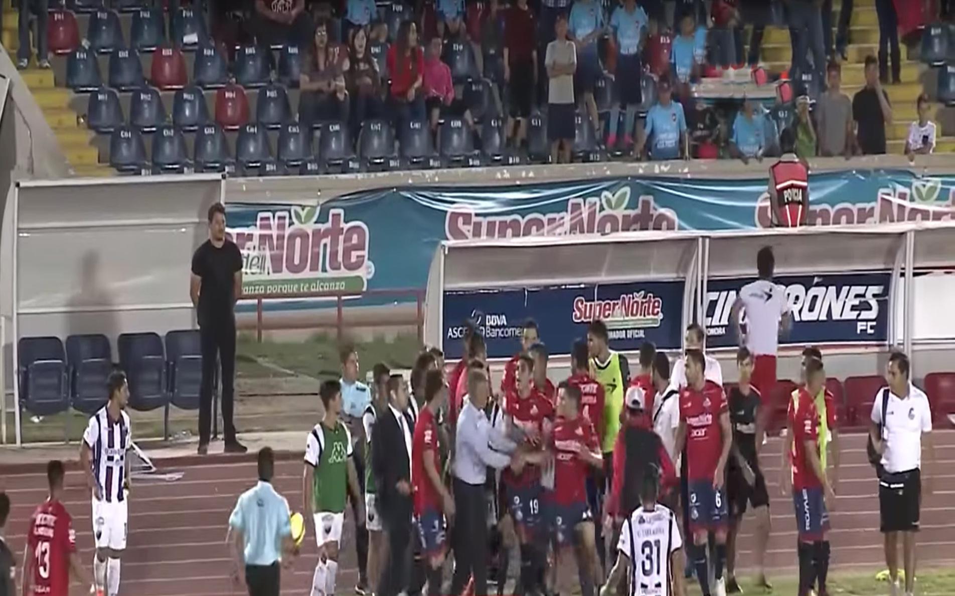 Héroe de Nacozari, Sergio Bueno, Ascenso MX, Pelea, Jugadores, Atlante, Cimarrones, Estadio, Sonora