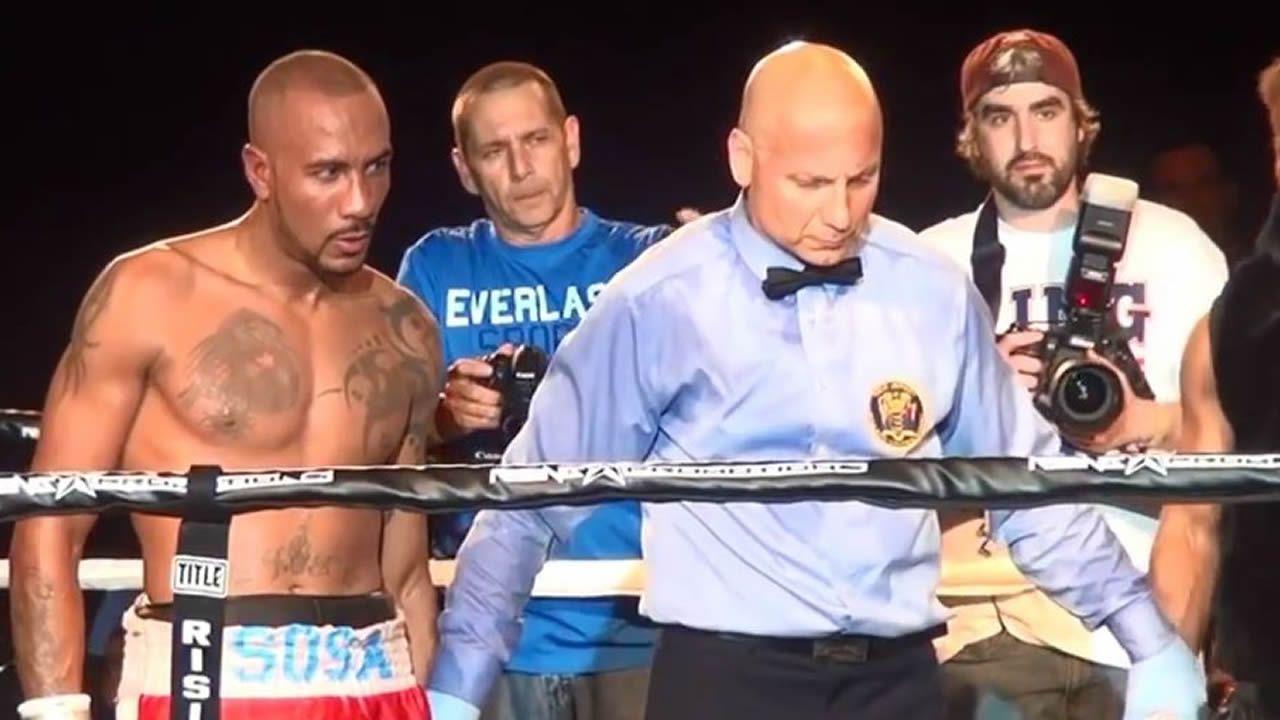Boxeador mató a su padre y luego se puso a ver televisión