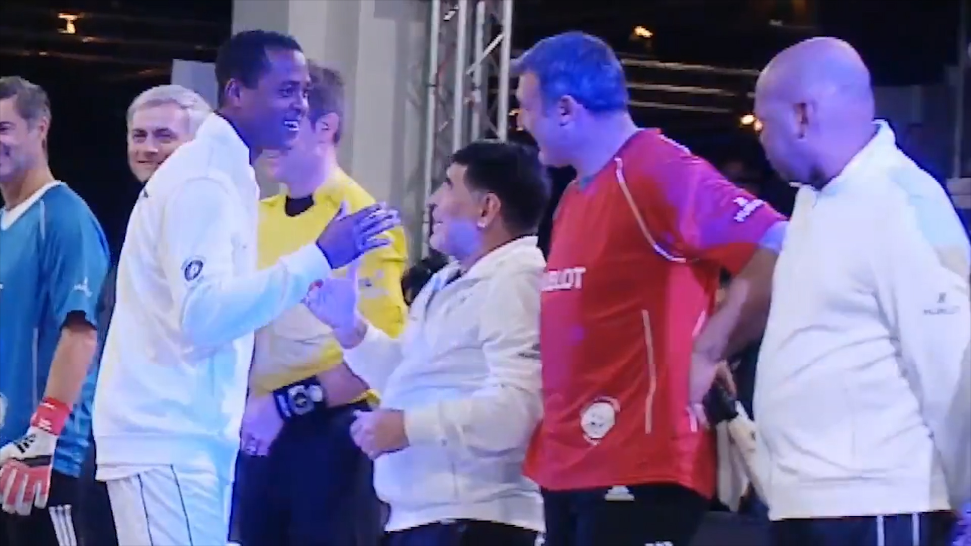 Maradona, Kluivert, Saludo, Video
