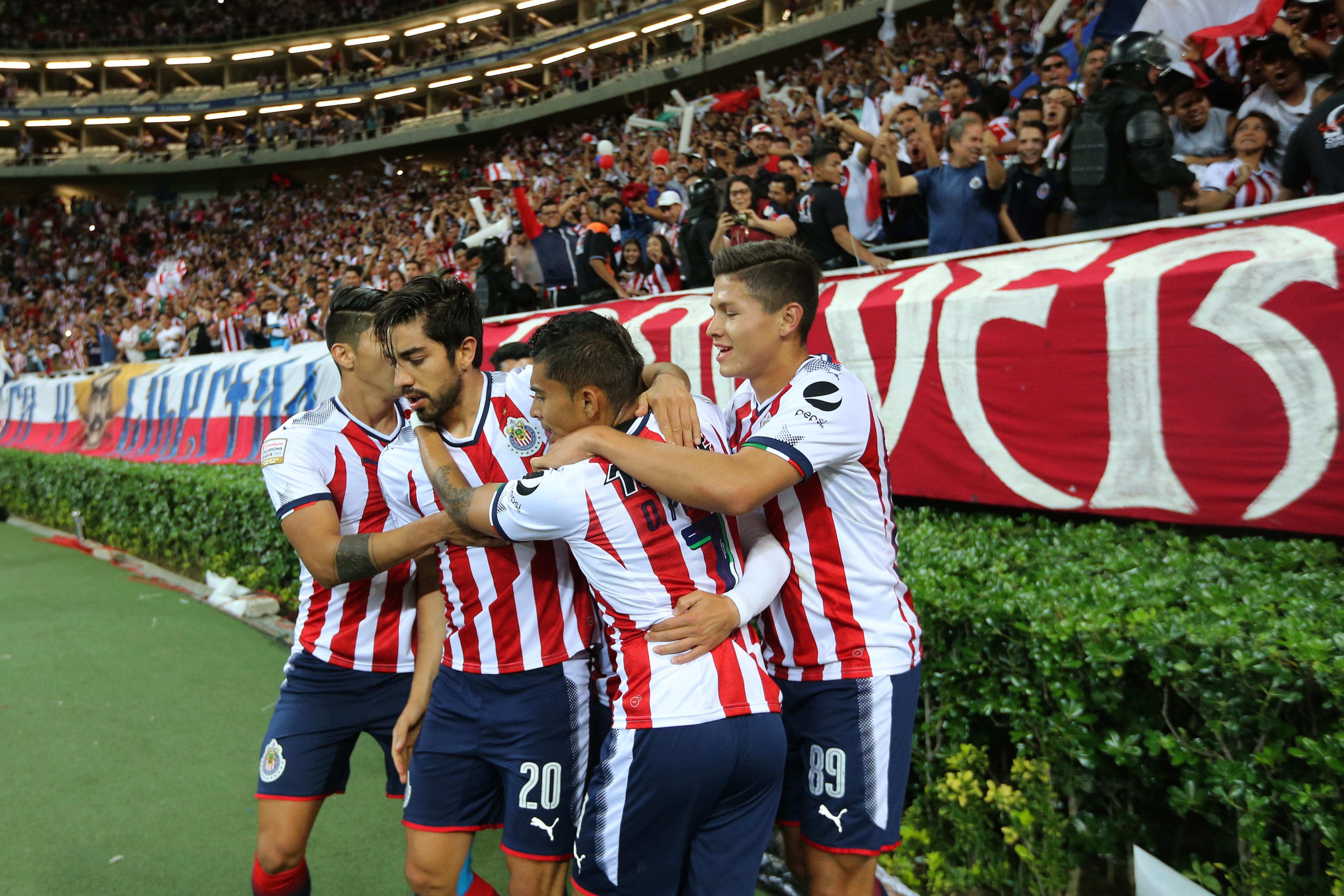 Jugadores Chivas reclaman adeudos millonarios Viajes Comida