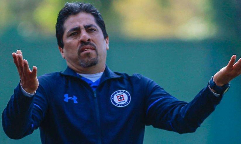 Roberto Pérez Loarca, Carlos Medina, Cruz Azul, Nuevo León, Tigres, Agarran, Golpes, Entrenadores, Equipos, Inferiores, Comida