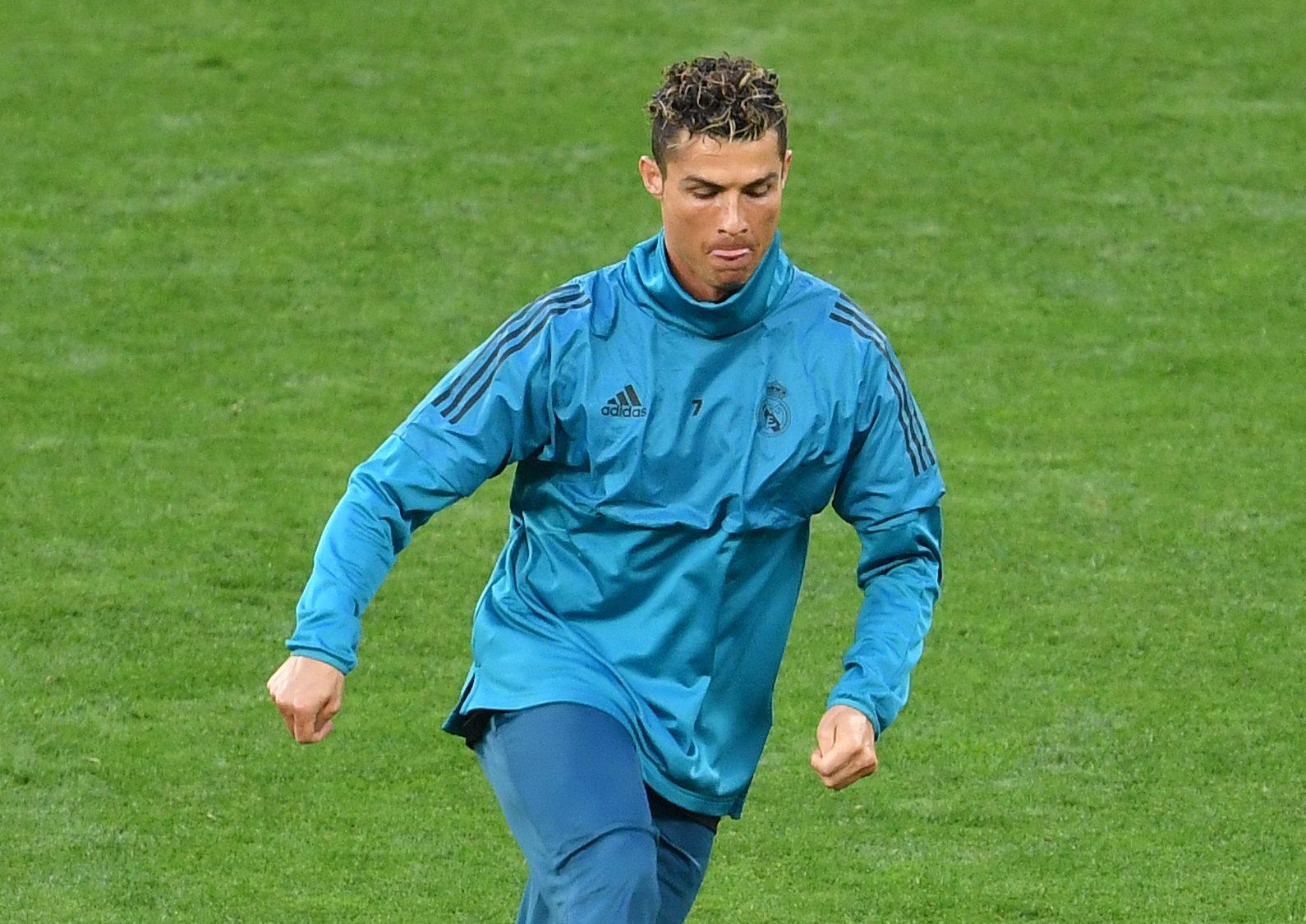 Cristiano Ronaldo Balonazo Camarógrafo Champions League