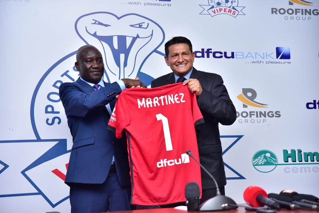 Javier Martínez DT Mexicano Equipo Uganda Vipers SC