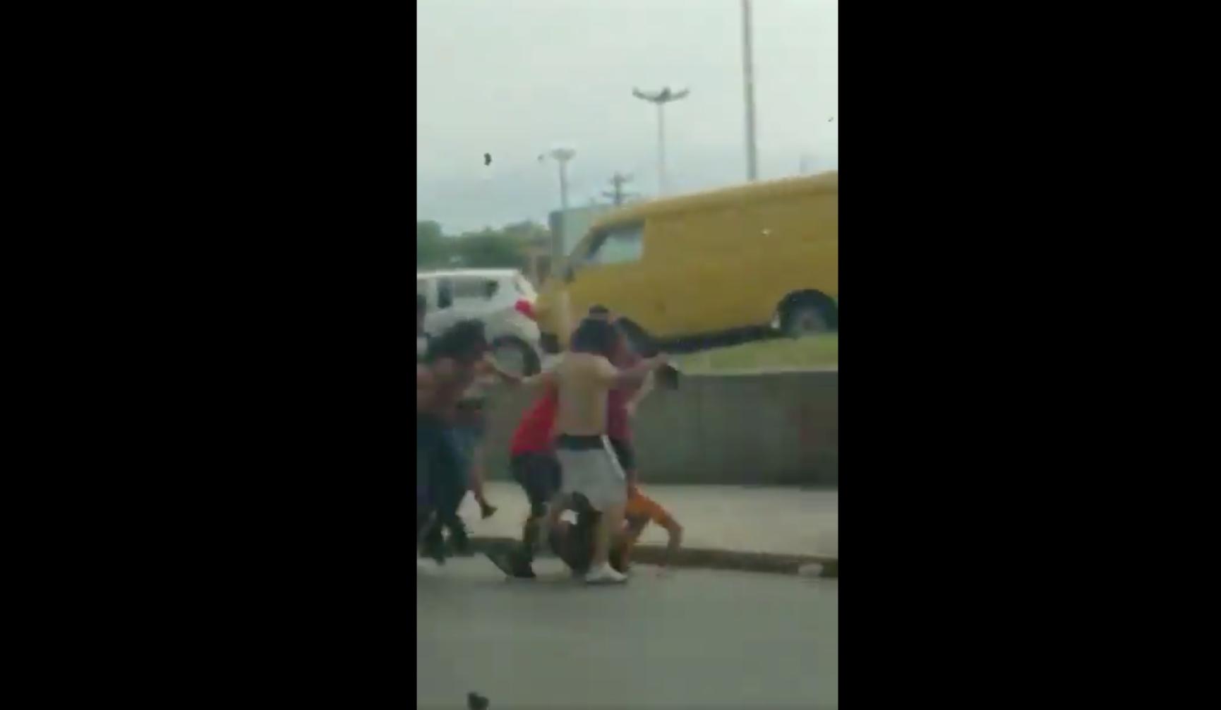 Aficionados Tigres Monterrey Atacan Golpean Seguidor